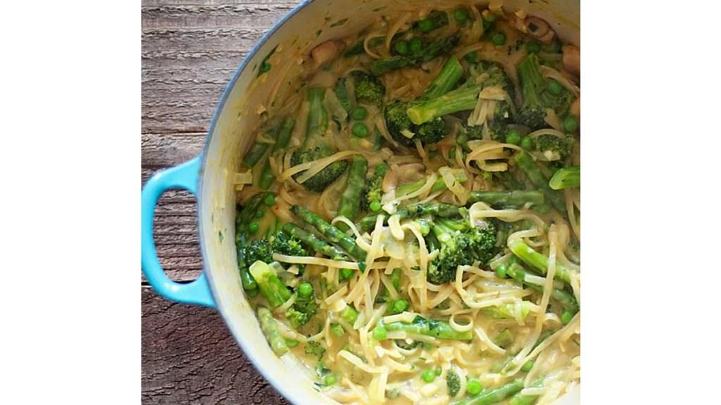 Pot of pasta primavera