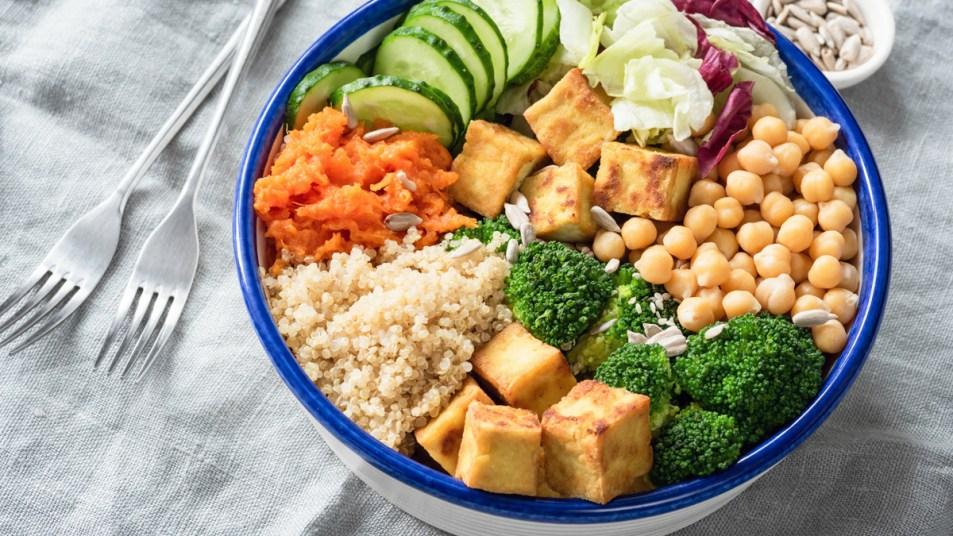 Bowl of quinoa, tofu, and broccoli