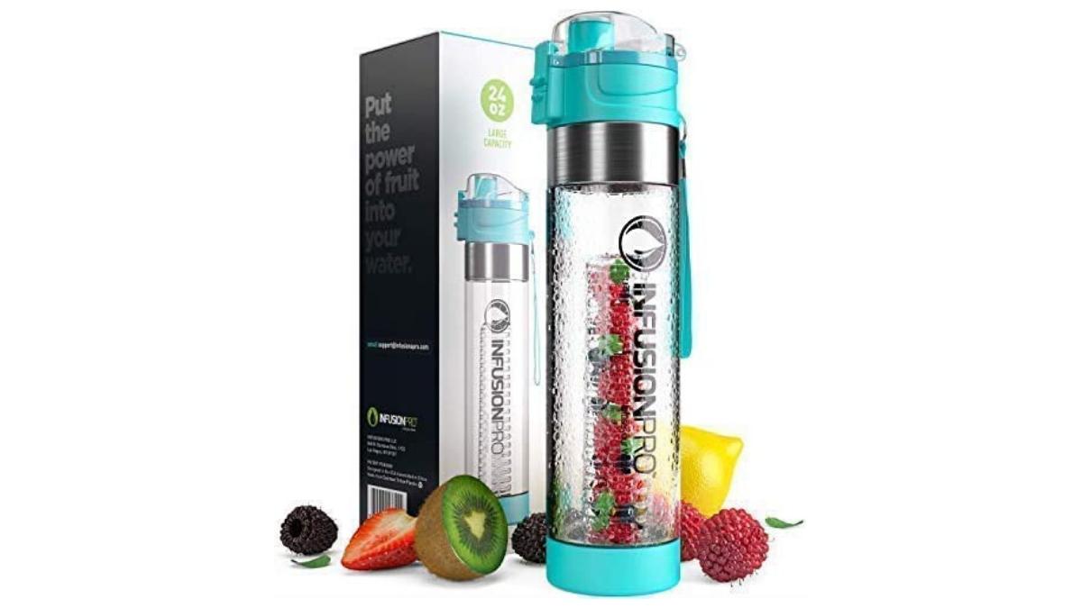 Water bottle fruit diffuser