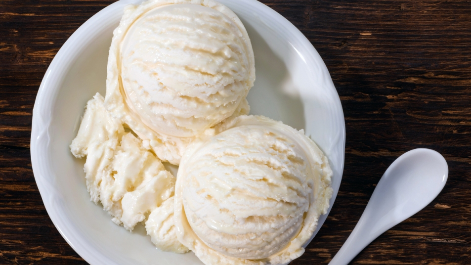 Scoops of vanilla ice cream in a bowl