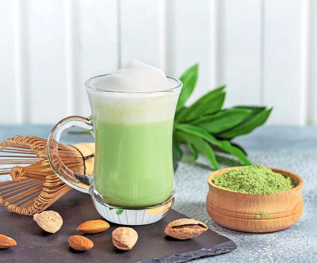 Matcha almond latte