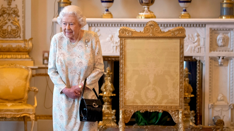 Queen Elizabeth in Buckingham Palace