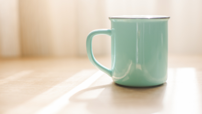 clean-mug-stains-naturally